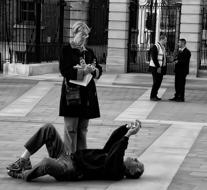 30+ Crazy Photographers Who Will Do ANYTHING For The Perfect Shot - Εικόνα193