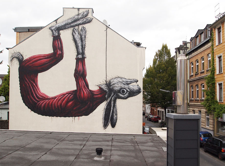 20+ Powerful Street Art Pieces That Tell The Uncomfortable Truth - Εικόνα81