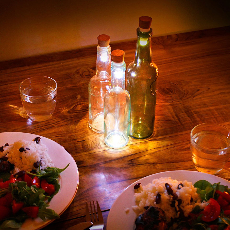 Turn Old Bottles Into Lamps With Rechargeable LED Corks - Εικόνα2